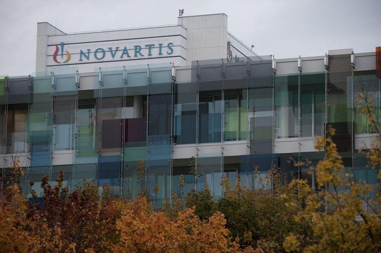 Het hoofdkantoor van het Zwitserse farmaceutische bedrijf Novartis in Basel. Beeld AFP