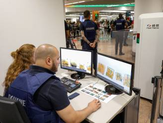 """Grapje van Duitse toerist schiet in verkeerde keelgat bij veiligheidsmedewerker luchthaven: """"Just a handy... boemboem"""""""