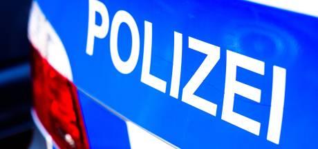 Politie Gronau heeft handen vol aan lastpak onder invloed: tankstation beroofd, kopstoten, vlindermes