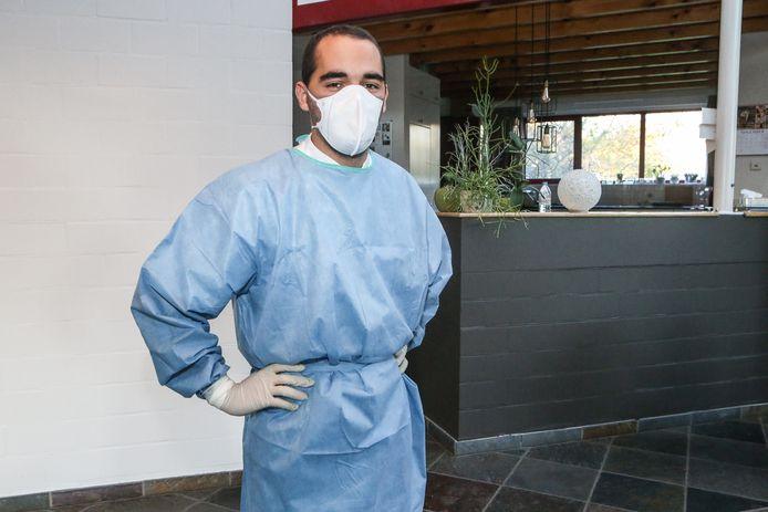 Daan De Malsche (22) is student Verpleegkunde en stagiair op de covid-afdeling.