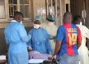 Topdrukte in een ziekenhuis in de havenstad Beira.