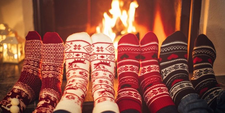 friends-at-cozy-winter-vacation.jpg