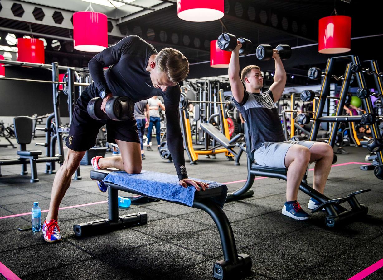 Er wordt weer gesport in deze sportschool in Alkmaar.