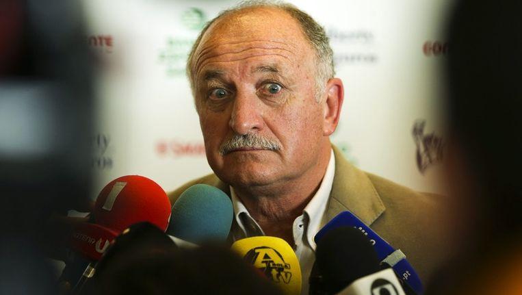 De Braziliaanse bondscoach Luiz Felipe Scolari staat seks tijdens het WK toe, maar het moet geen 'acrobatiek' worden, Beeld epa