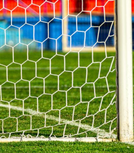 Voetbalsters Vriendenschaar ook naar zaterdag