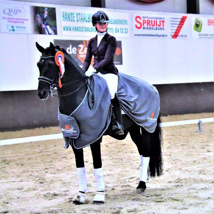 Maxime Osse: zilver bij de zesjarigen en overall het beste Zeeuwse gefokte paard.