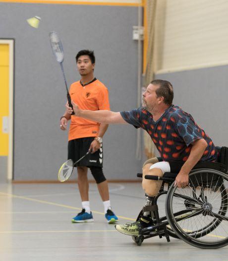 Bij deze nieuwe badmintonvereniging in Raalte beleven mensen met een beperking sportplezier