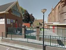 Politie waarschuwt luidruchtige jongeren op schoolplein Vianen