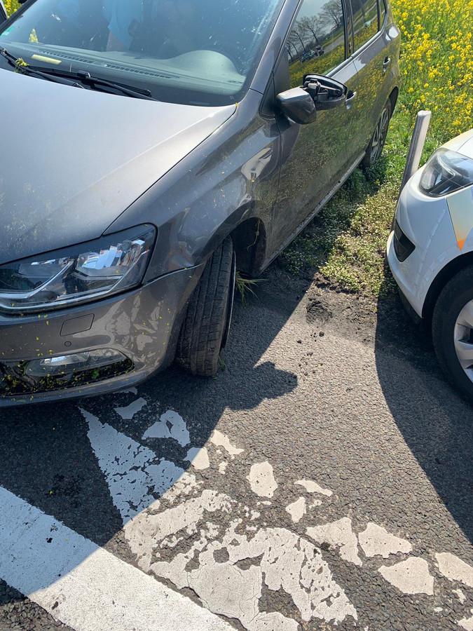 De auto belandde na een korte achtervolging in de greppel langs de afslag Duiven.
