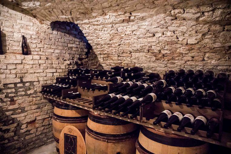 De bierkelder van Raf Sainte. De meest zeldzame bieren ter wereld liggen hier te rusten.