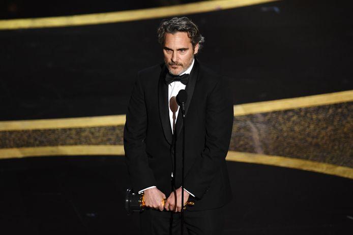 Joaquin Phoenix tijdens zijn speech na het in ontvangst nemen van de Oscar voor beste acteur.
