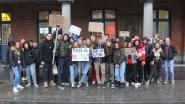 FOTO Leerlingen uit Lyceum, Sint-Jozefscollege en Academie voor Beeldende Kunsten in Brussel om te 'brossen voor de bossen'