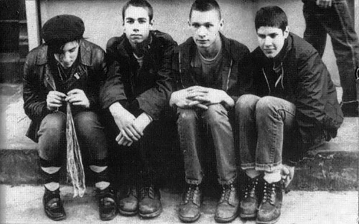 John Berry, tweede van rechts, in de band.