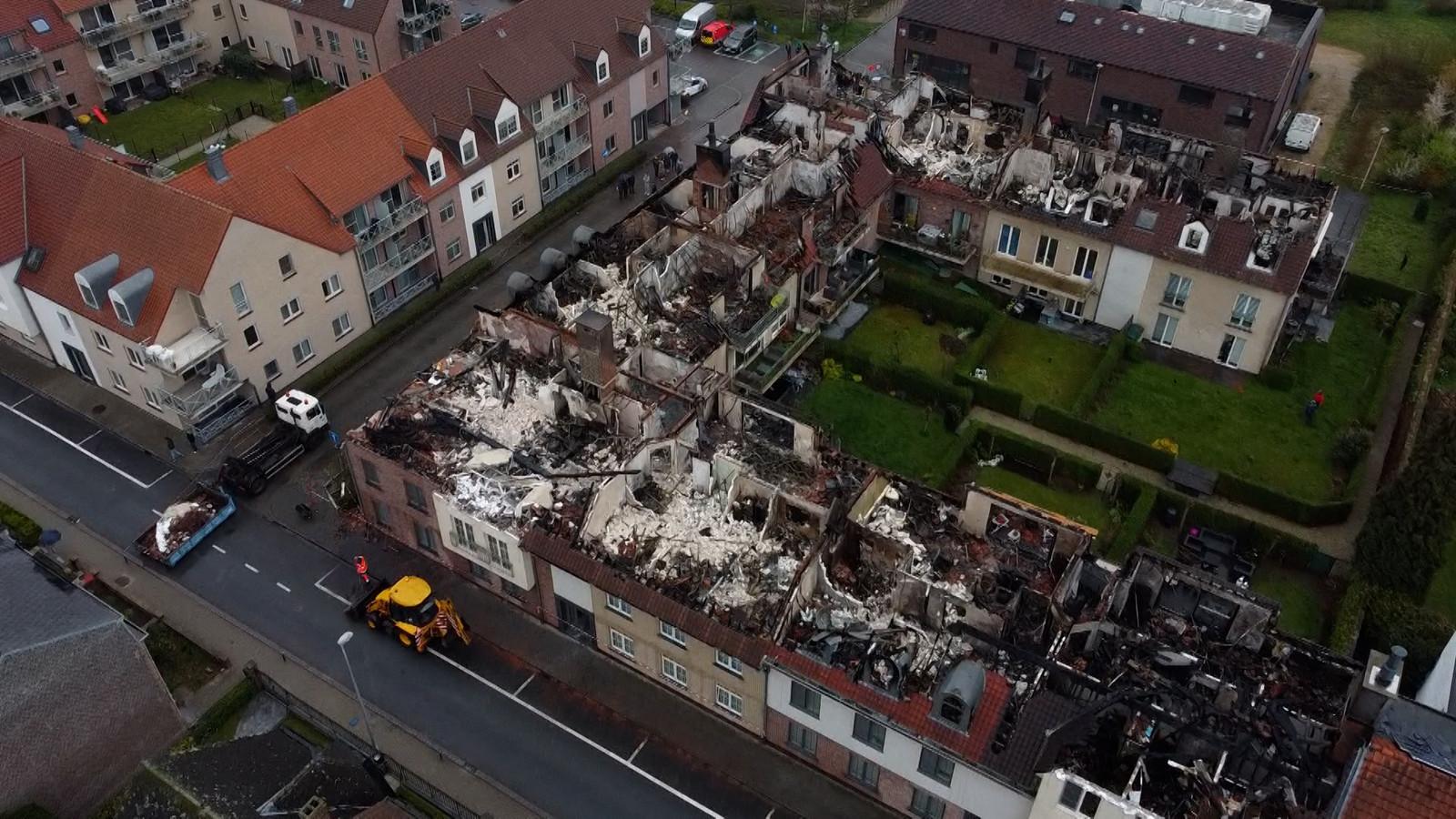 Dronebeelden tonen grote schade in Opwijk