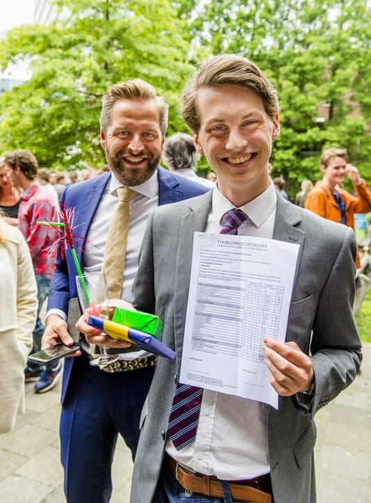 Wethouder Hugo de Jonge (onderwijs) noemt Friso's prestatie 'uniek' en 'absurd'.