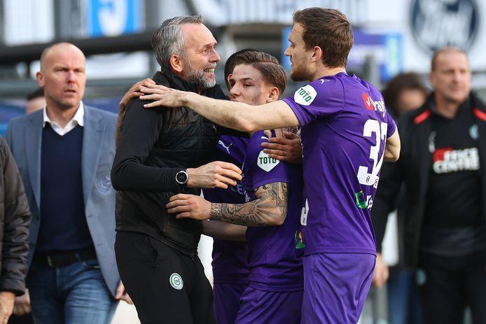 Blijdschap bij FC Groningen na de late 1-1 van Tomás Suslov.