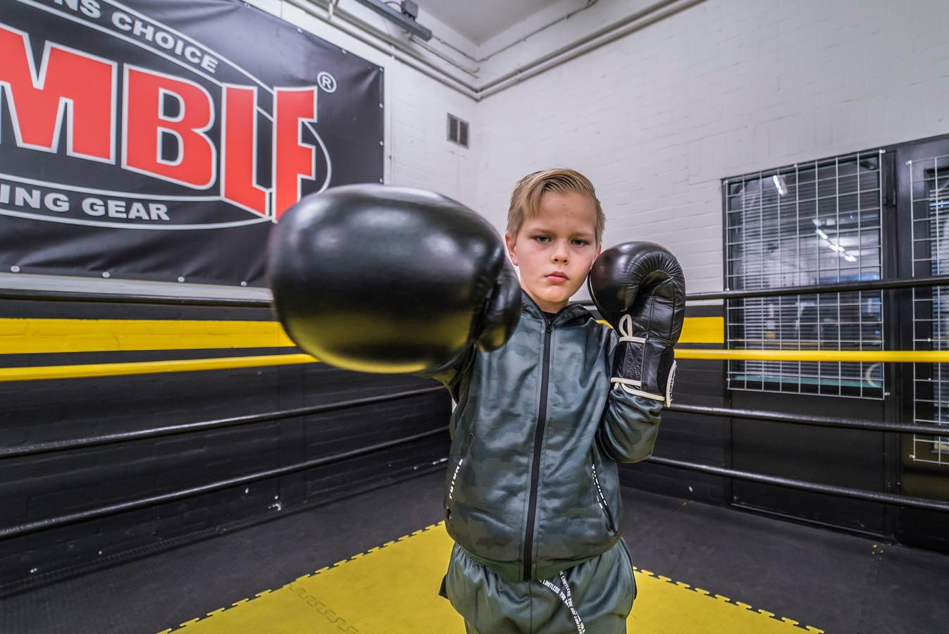 Ozzy (9) is bokser in wording bij sportschool Thaigym.