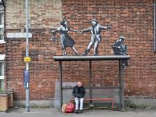 Banksy heeft 'spraykantie': langs Engelse kust duiken kunstwerken op