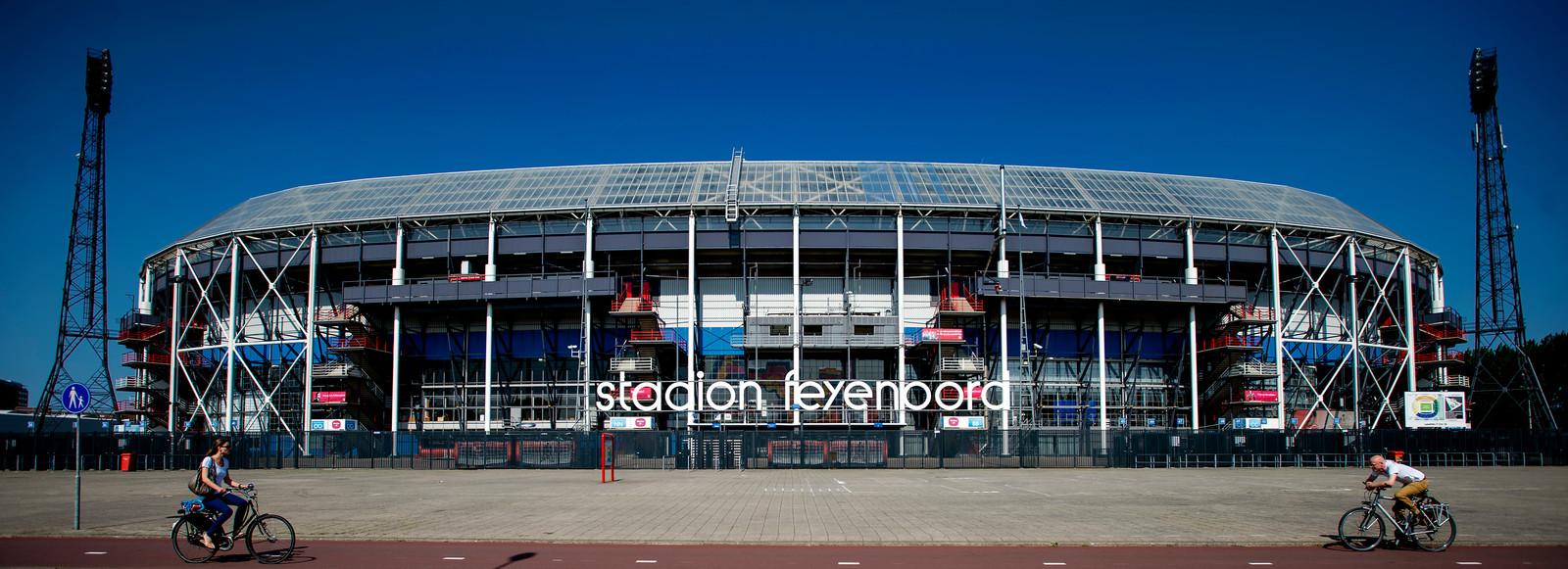 Het huidige stadion de Kuip van de Rotterdamse voetbalclub Feyenoord.