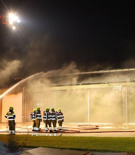 Veel roet-, rook- en waterschade bij fikse brand in Velddriel