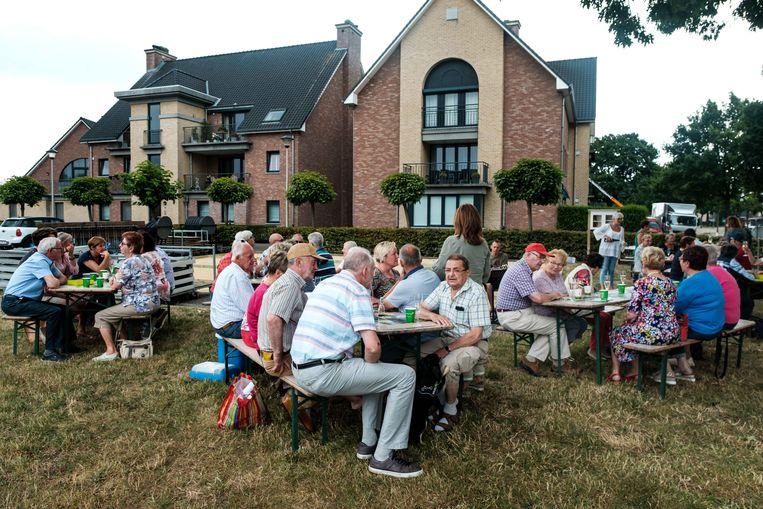 Om de twee weken vindt in Zutendaal 'Boterhammen in het Groen' plaats. De eerste van de vakantie vond plaats op het Sint-Hubertusplein in Wiemesmeer.