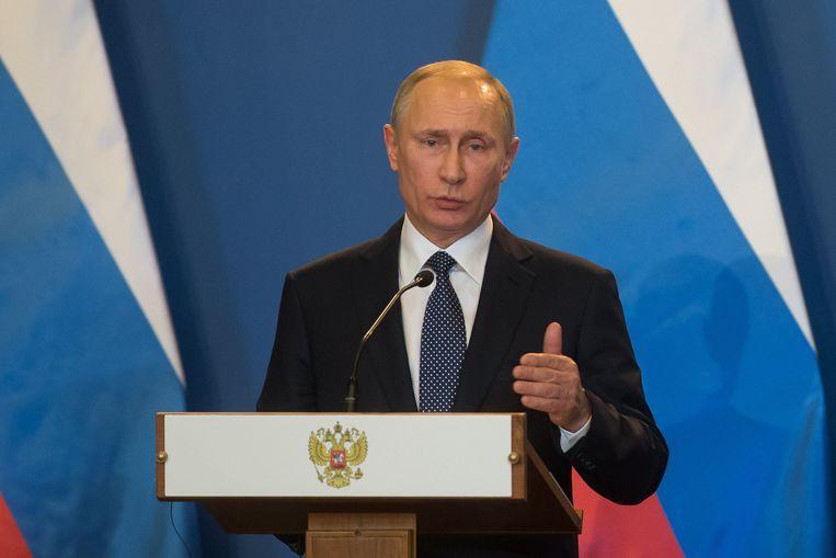 Vladimir Poetin tijdens een bezoek aan Hongarije. Beeld Photo News