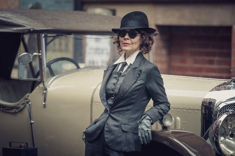 Helen McCrory als Polly Gray in Peaky Blinders. Beeld