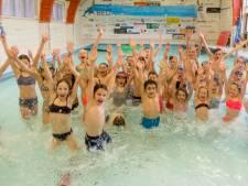 Zwembad Dolfijn in Nieuwerkerk is in nood
