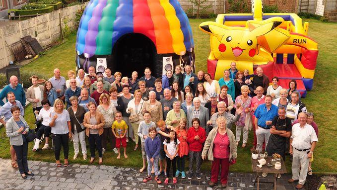 Bewoners wijk 's Hondshuffel vieren feest