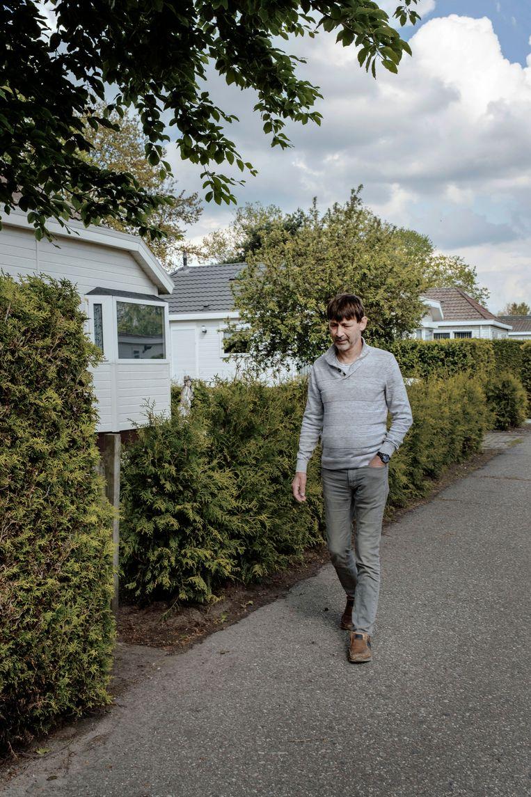 Marco Addicks ziet zichzelf de rest van zijn leven op vakantieparken wonen. 'Lekker onder de radar. Dan ben ik af van al dat gezeik.' Beeld Merlin Daleman