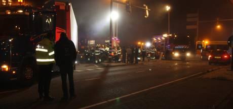 Meerdere gewonden bij crash in Ede, brandweer bevrijdt bestuurder uit auto