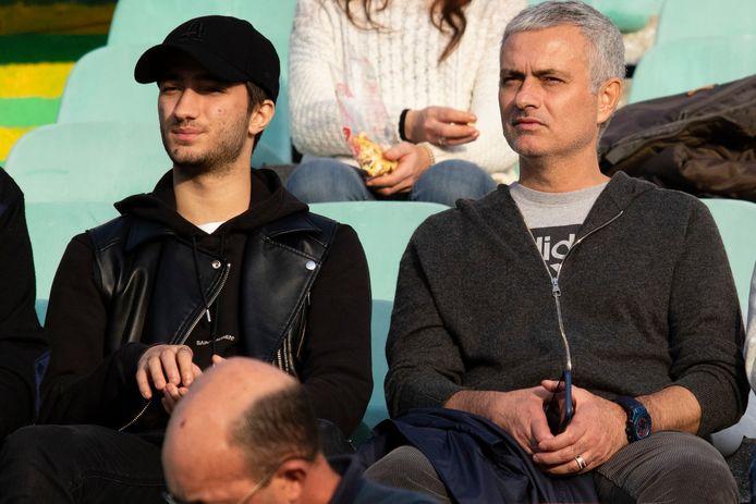 Mourinho woonde eind december een match bij van het Portugese Vitoria de Setubal tegen Santa Clara.