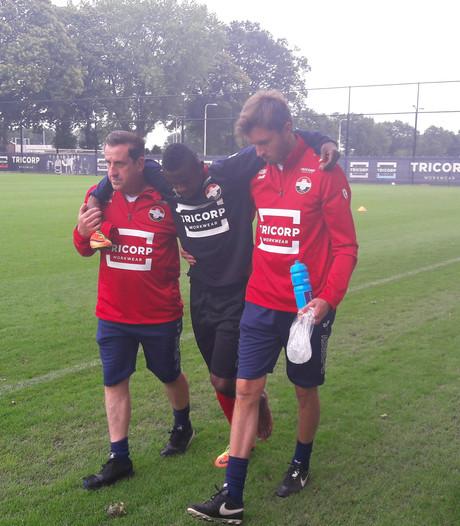 Willem II'er Abubakar breekt been op training