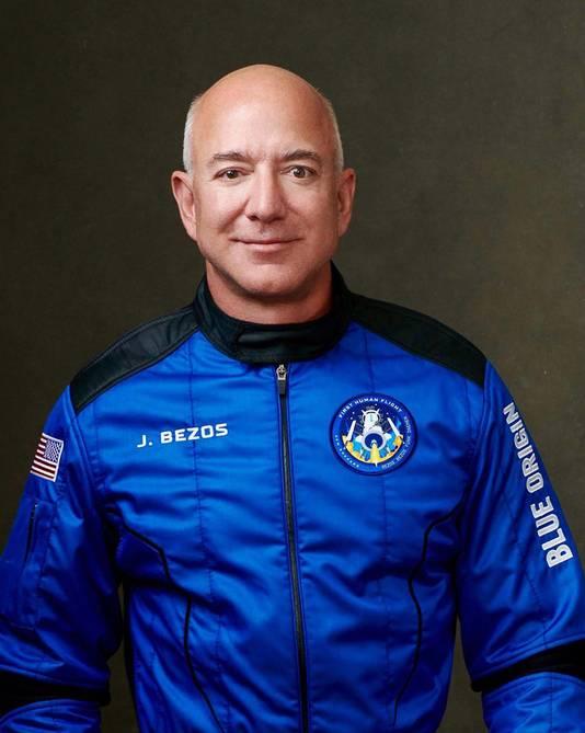 Amazon-oprichter Jeff Bezos in zijn ruimteoveral.