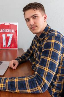 Sergio helpt profvoetballers met hun social media: 'Foto's met gekke bekken zijn 'not done''