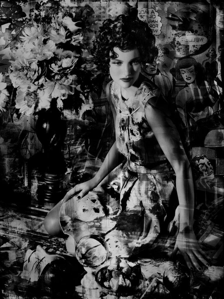 Swan Neck Vase (China Girls) Beeld Valerie Belin, Courtesy of Flatland