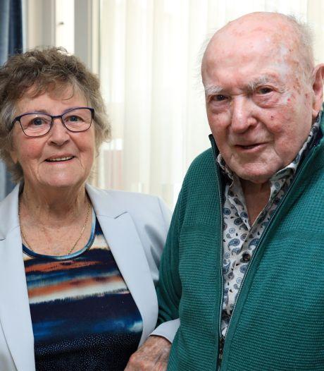 Ada (85) en Eduard (93) uit Kloosterzande vieren briljanten huwelijk