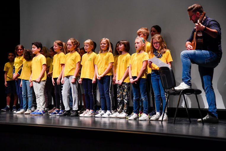 Voor de voorstelling van de Schoolroutekaart hadden de leerlingen van 't Sprinkhaantje zelf een lied geschreven.