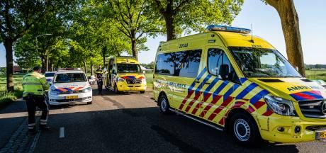 Bestuurders scooter en motor allebei gewond naar ziekenhuis na botsing bij Goirle