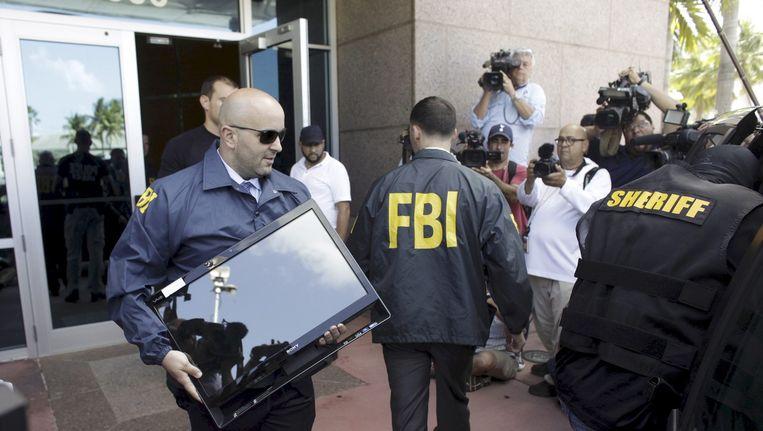 De FBI neemt elektronica in beslag voor het FIFA-onderzoek in Miami Beeld reuters