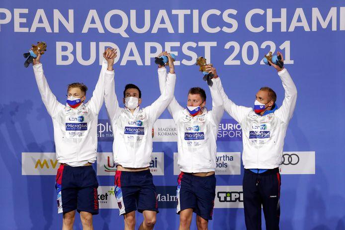 La Russie est championne d'Europe dans un chrono de 7:03.48 devant la Grande-Bretagne (7:04.61) et l'Italie (7:06.05).