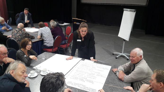 Brainstormen over de toekomst van Hofdael in de theaterzaal