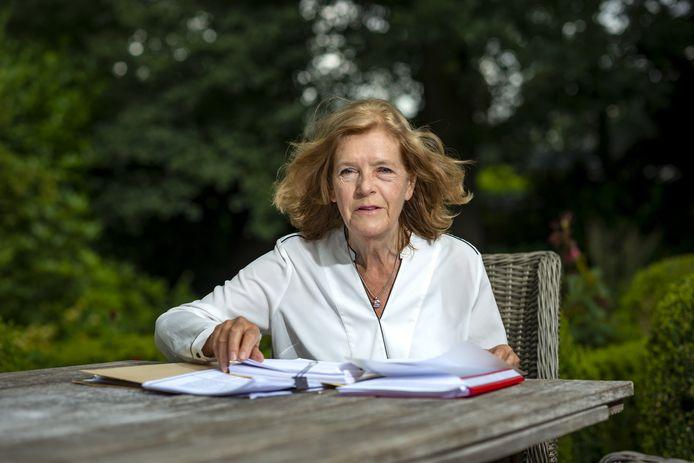 Trudy Scheele-Gertsen met haar dossier.