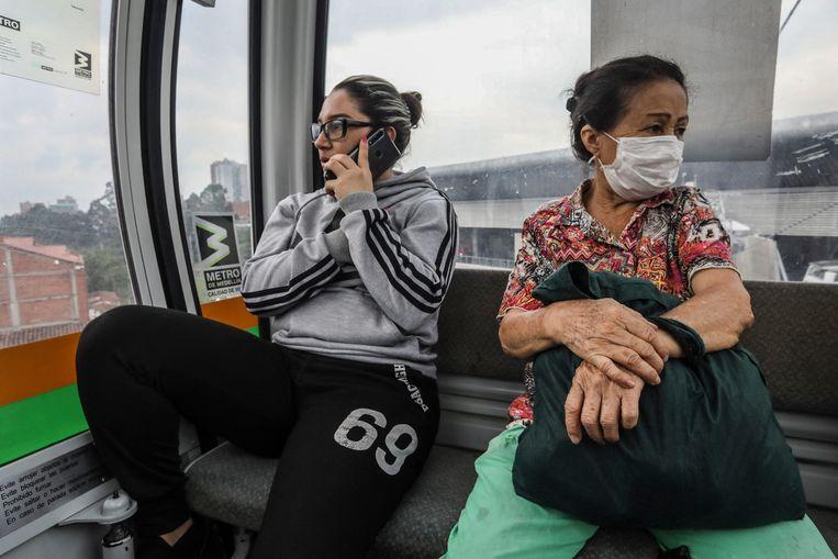 In de Colombiaanse stad Medellín is de kabelbaan een populair vervoersmiddel. Beeld Hollandse Hoogte / AFP