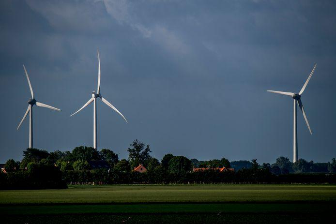 Gesteggel over windturbines in de Dungense Polder.