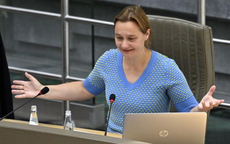 Erika Vlieghe eerder in de coronacommissie in het Vlaams Parlement. 'Wees gerust, ik ga geen nachtmerries overhouden aan deze Veiligheidsraad', zegt de viroloog. Beeld BELGA