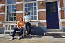 Het stel vertelt zijn verhaal in zijn tijdelijke huurwoning in Bergen op Zoom.
