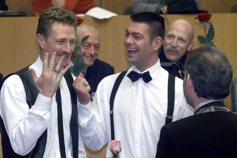 The world's first gay marriage in Amsterdam in 2001. Beeld ANP