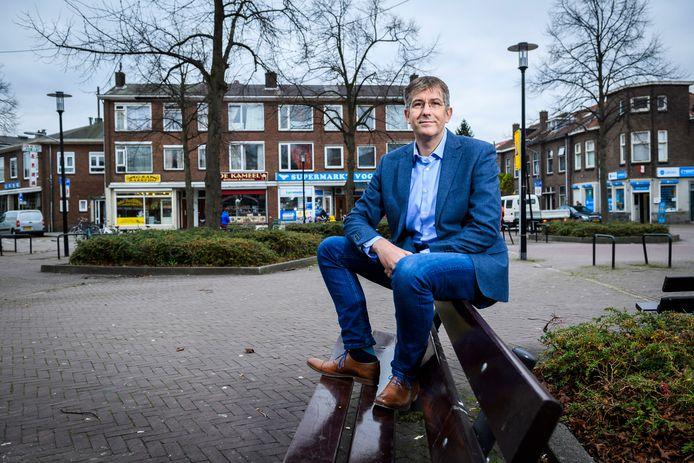 David Schalken van Beter Voor Dordt, hier op archiefbeeld uit 2017, wil dat de gemeenteraad van Dordrecht vooraf meer betrokken wordt bij het coronabeleid.