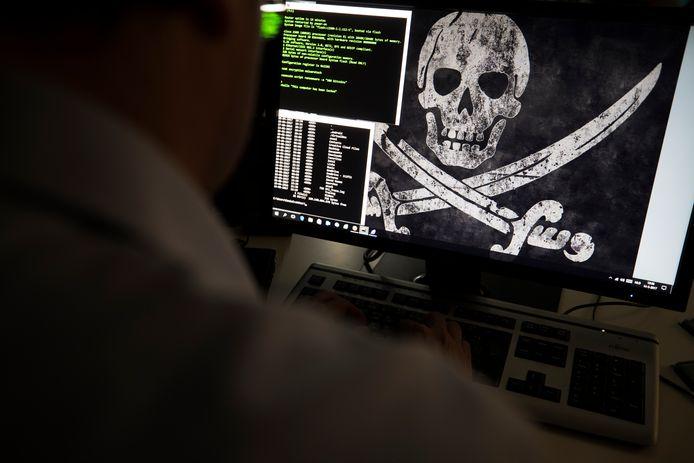 Het aantal zaken rond zogenaamde cybercrime steeg de afgelopen jaren explosief tot ruim 15.000 in 2019.